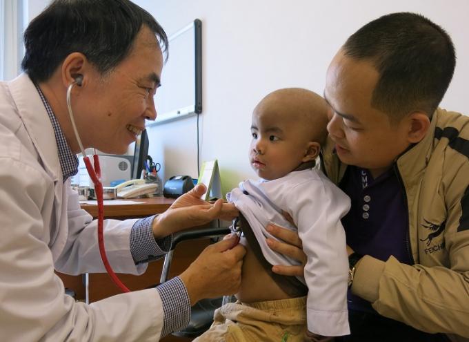 TS.BS Dương Bá Trực - chuyên gia về Huyết học và Truyền máu Nhi giờ làm  việc ở đâu?