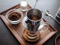 kho tho chong mat khi uong cafe co nguy hiem