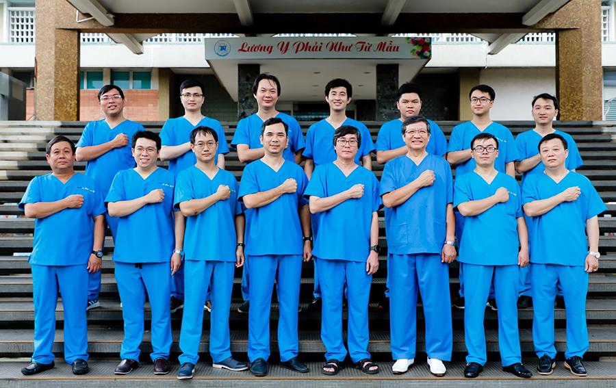 alobacsi PGS.TS.BS Lê Văn Quang và các bác sĩ khối Ngoại, Bệnh viện Thống Nhất