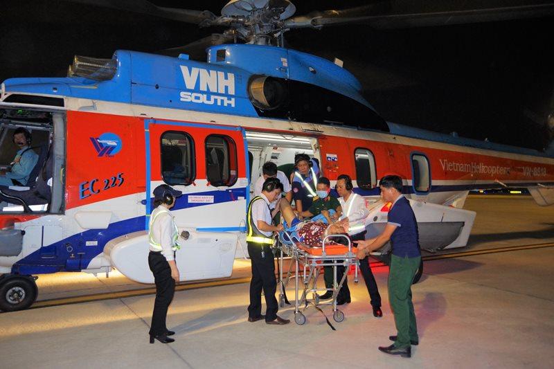 alobacsi trực thăng cấp cứu quân nhân Trường Sa