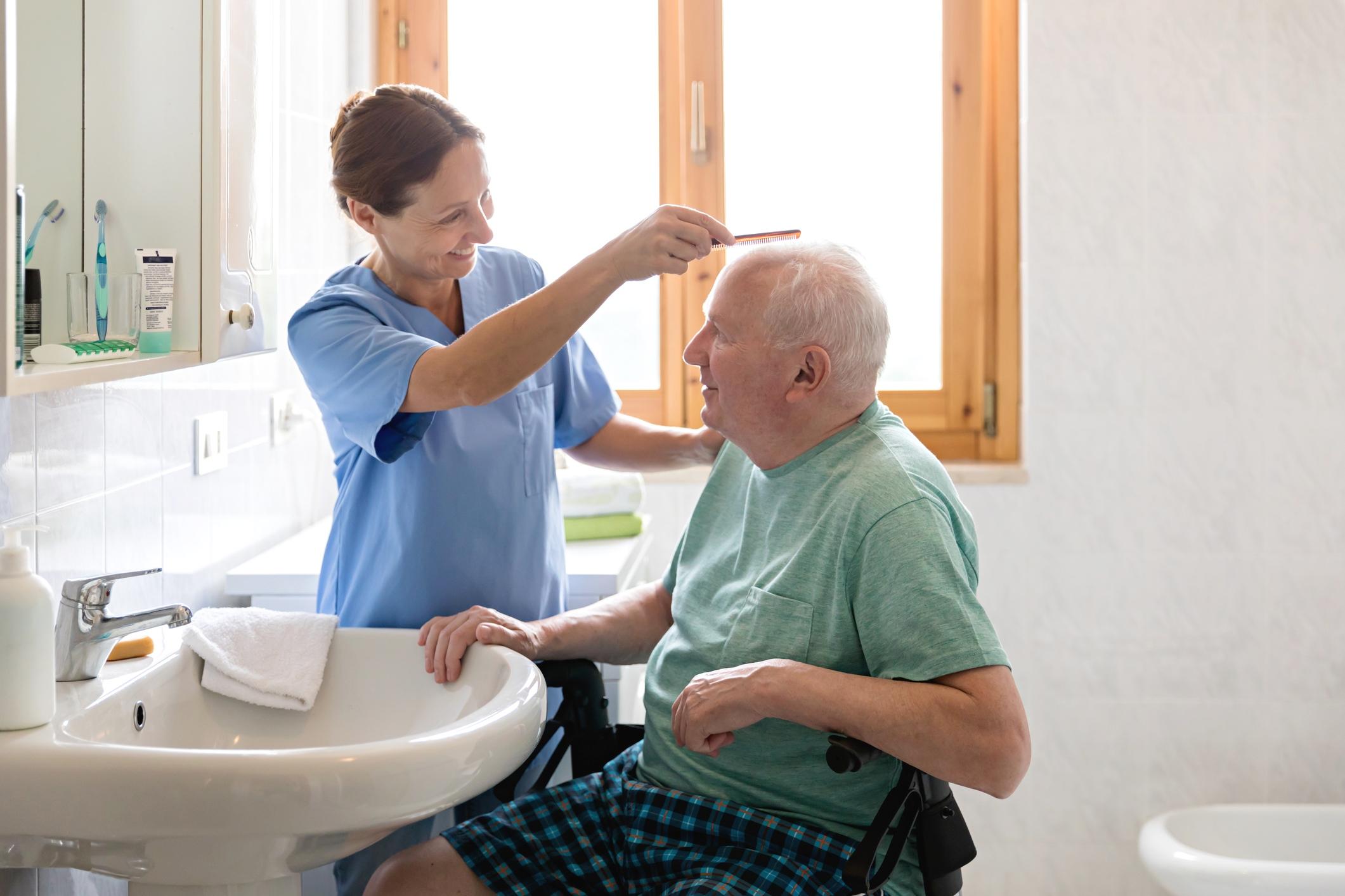 vệ sinh cá nhân sau đột quỵ