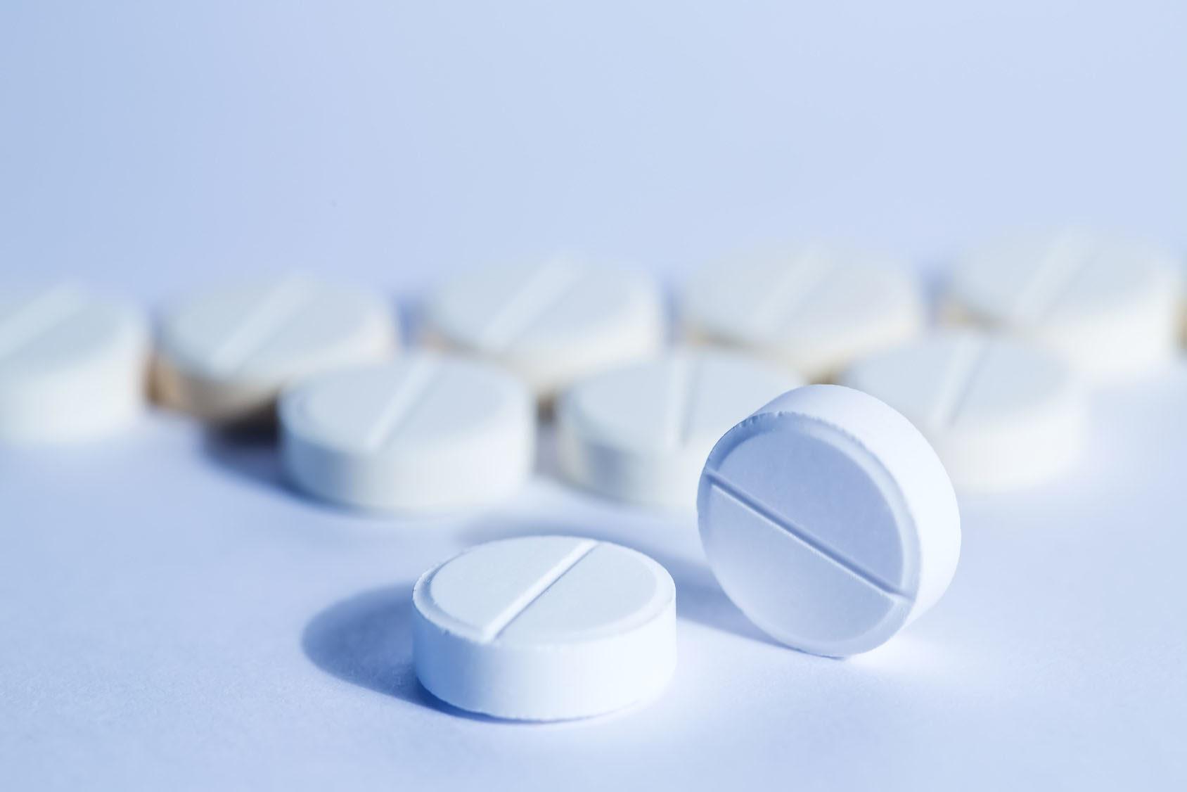 Làm giảm đau răng tại nhà - Dùng thuốc giảm đau răng